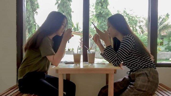 Kafe Omiki, Kopinya Strong dan Pilihan Anak Muda Desa Wasuponda