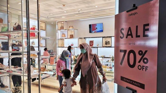 FOTO: Aneka Sepatu Bellagio di Nipah Mall Diskon 70 Persen