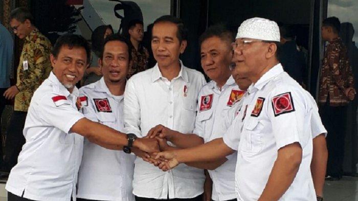 Pengurus Projo Sulsel bersama Presiden RI Jokowi