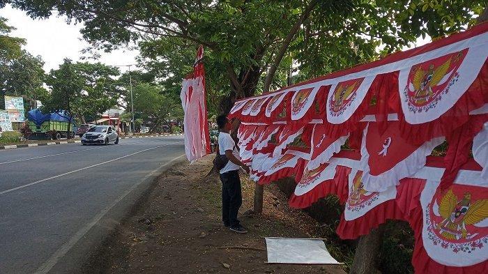 Penjual Bendera Merah Putih di Jeneponto Keluhkan Pendapatan Anjlok di Masa Pandemi