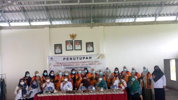 BLK Pangkep Tutup Pelatihan Menjahit di Luwu