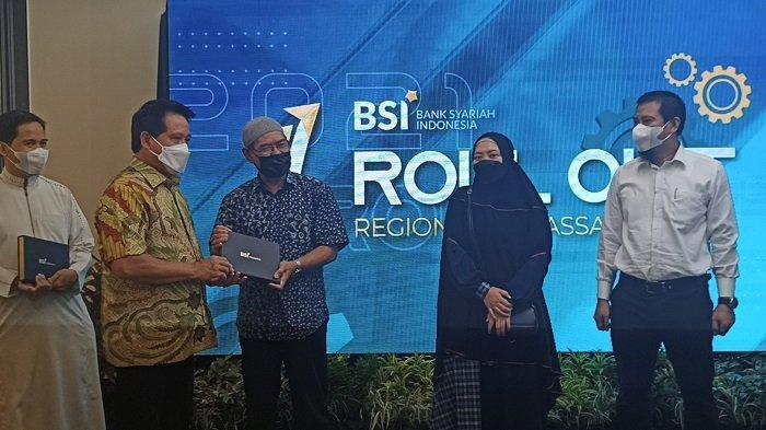 Direktur Utama BSI Hery Gunardi Hadir Penyatuan Operasional Sistem Layanan BSI di Region IX Makassar