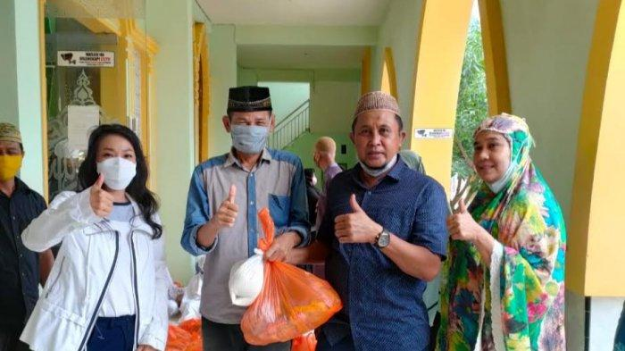 CPH Kolaborasi Pengurus Masjid Nurul Huda Bagi 30 Paket Sembako ke Warga