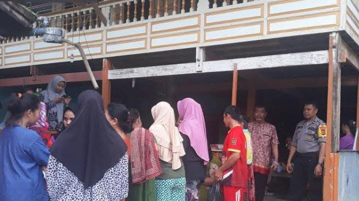 Polisi Pantau Penyaluran Bantuan Sosial di Desa Punranga Pangkep
