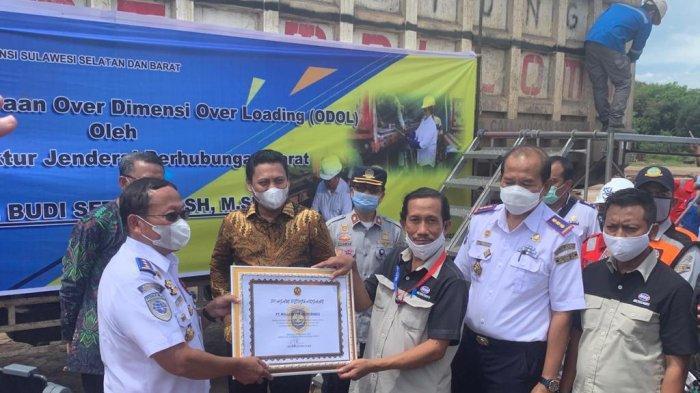 Bosowa Semen Maros Dapat Penghargaan Transportasi Zero ODOL dari Kemenhub