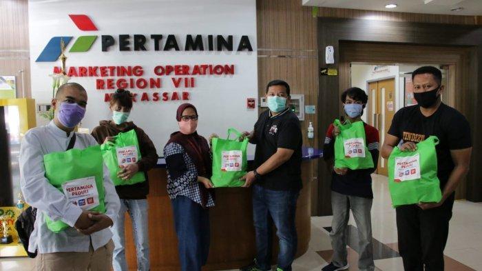 Gandeng Mitra Binaan, Pertamina Bagikan 50 Paket Vitamin, Madu hingga Masker