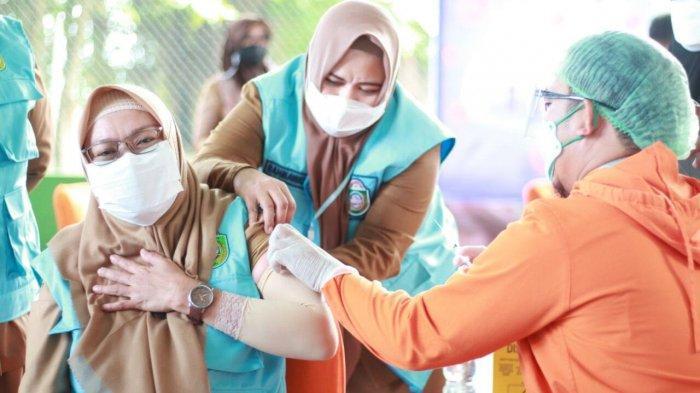 Vaksin Tahap II di Parepare Dimulai, Sasar Pelayan Publik Hingga Pedagang Pasar