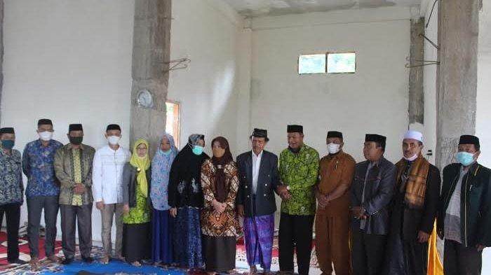 Dua Kali Gagal di Pilkades, Mahmud Petani Tembakau Pelosok Sinjai Bangun Masjid Megah di Kampungnya