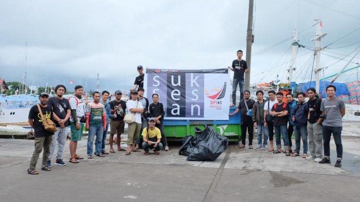 Perkumpulan Fotografer Makassar 'Hunting Sampah' di Paotere