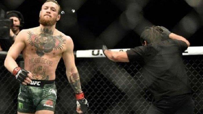 UFC 264 - Dustin Poirier Bungkam Mulut Besar Conor McGregor, Cuma 1 Ronde Langsung Tak Berdaya