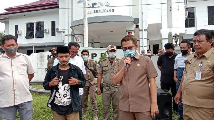 Unjuk Rasa di Kantor DPRD, PERKARA Enrekang Minta Revisi Perda Zakat