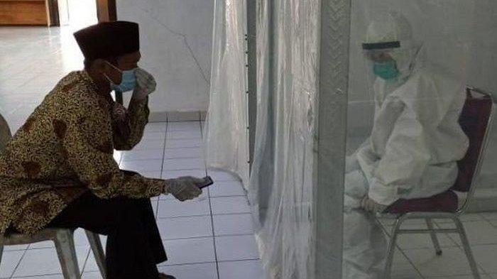 BIKIN HARU! Kisah Pasangan Menikah di Tempat Karantina Virus Corona, Pengantin Pria Positif Covid-19