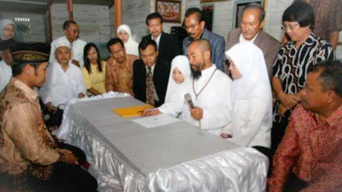 Pernikahan Syekh Puji dengan Istri Mudanya Lutfiana Ulfa