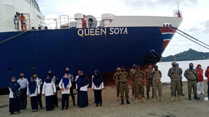 Dipulangkan dari Malaysia, 102 TKI Asal Bone Dijemput di Pelabuhan Parepare