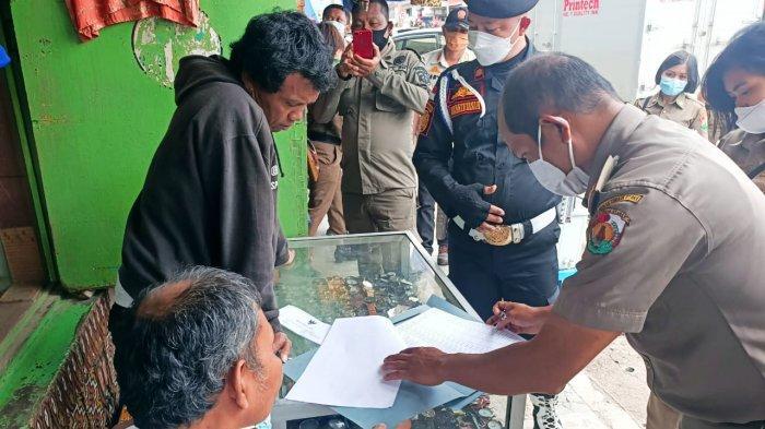 Peringatan Terakhir bagi Pedagang Pusat Pertokoan Rantepao