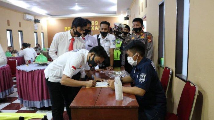 257 Personel Polres Takalar Juga Dites Urine