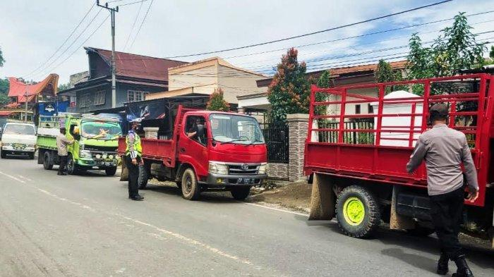 Mobil Truk Angkut Lebih 10 Orang Bakal Ditilang di Tana Toraja