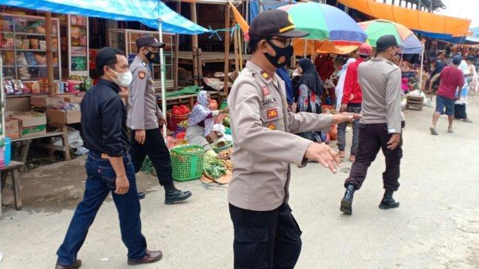 Jelang Hari Raya Iduladha, Polsek Alla' Patroli Kamtibmas di Pasar Sudu