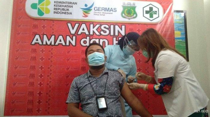 Muhammad Nur Wakili Pemuda Pinrang Divaksin Covid-19