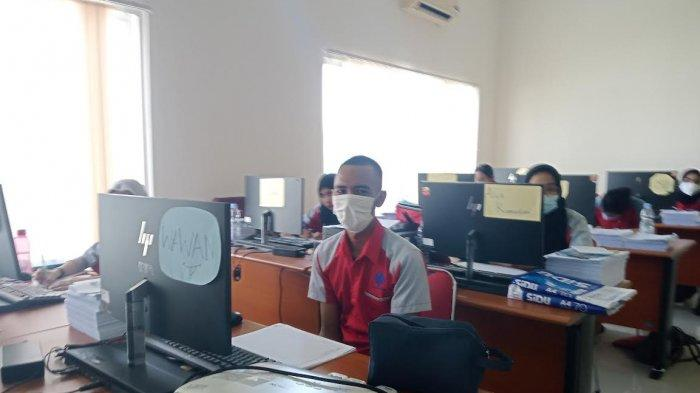 Alumni UNM Jadi Peserta Pria Satu-satunya di Kejuruan Sekretaris BLK Makassar