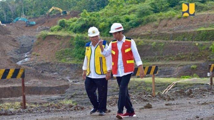 Presiden Jokowi mengunjungi pembangunan proyek Bendungan Paselloreng beberapa waktu lalu.