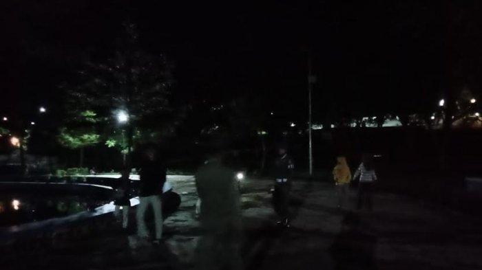 Razia PPKM di Jeneponto, Petugas Malah Temukan Puluhan Pasangan Muda-mudi Pacaran di Taman
