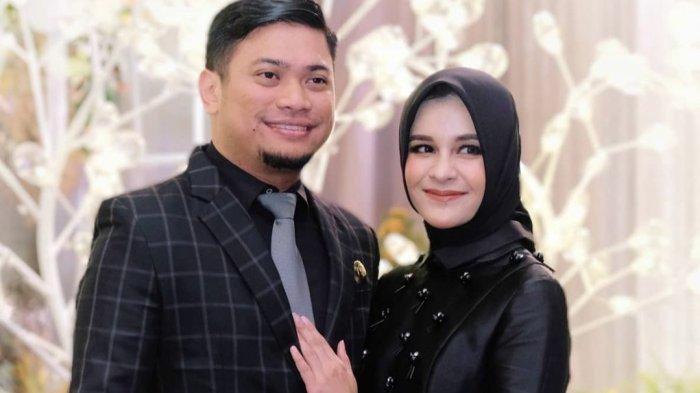 Romantisnya Bupati Gowa Adnan Purichta Ichsan, Ciptakan Lagu Satu Dekade Pernikahan untuk Istrinya
