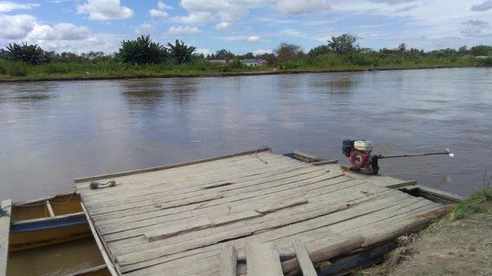 Tidak Ada Jembatan, Warga Baebunta Selatan Luwu Utara Terpaksa Bayar Pincara untuk Menyeberang