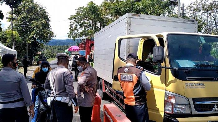 Perbatasan Polman - Pinrang Dijaga Polisi Bersenjata Laras Panjang, Nekat Mudik Disuruh Putar Balik