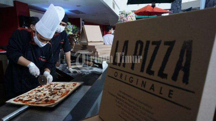 FOTO: Swiss-Belinn Panakkukang Hadirkan All You Can Eat 'PIZZA BUFFET' - pizza-live-di-swiss-belinn-13.jpg