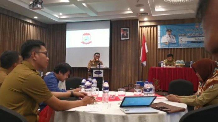 Pascakebakaran TPA Antang, Dinas Pendidikan Makassar Bagi-Bagi Masker, Antisipasi Murid Sesak Napas