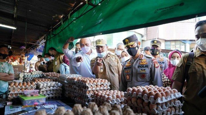 Jelang Ramadan, Plt Gubernur Sulsel Tinjau Bahan Pokok di Pasar Terong