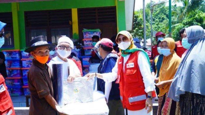 PMI Kembali Salurkan Tenda Hingga Matras ke Korban Gempa Majene