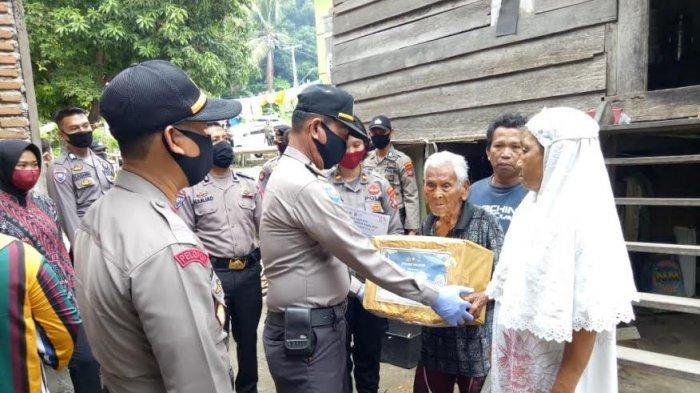 Polda Sulbar Salurkan Ribuan Paket Sembako untuk Masyarakat Kurang Mampu