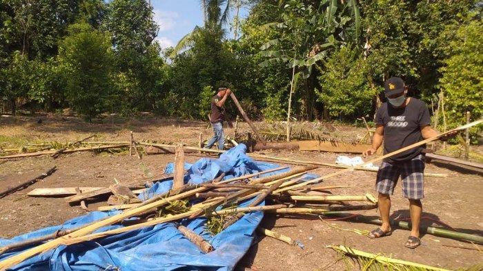 Polisi Bakar Arena Judi Sabung Ayam di Desa Buntu Batu Luwu