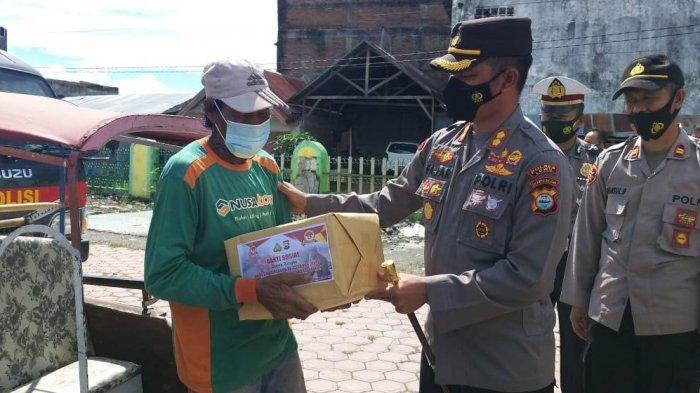Kabid Humas Polda Sulsel Puji Langkah Polres Luwu Bagi-bagi Sembako