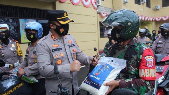 Polres & Kodim Maros Bagi-bagi 2.000 Karung Paket Beras untuk Kaum Dhuafa
