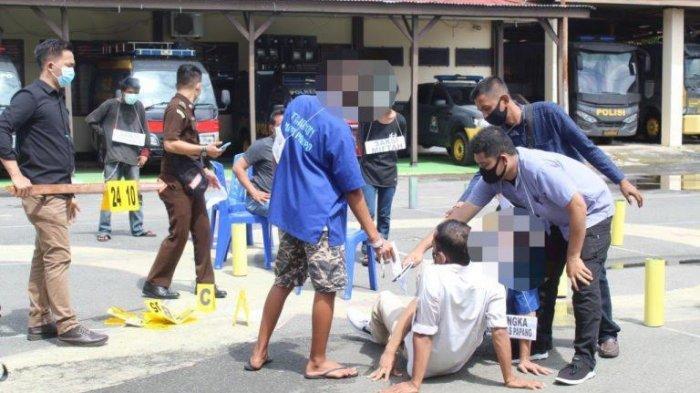 Rekonstruksi Kasus Pembunuhan di Palopo, Pelaku Tikam Korban karena Dendam