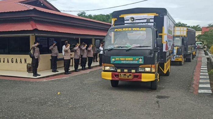 Dikawal Mobil Patroli, Dua Truk Bantuan Polres Wajo Berangkat ke Sulawesi Barat