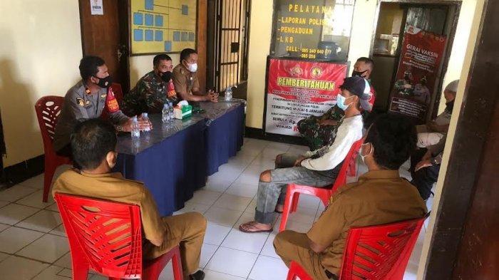 Polres Baraka Enrekang Damaikan Dua Kelompok Warga Bertikai di Depan Pasar Citra