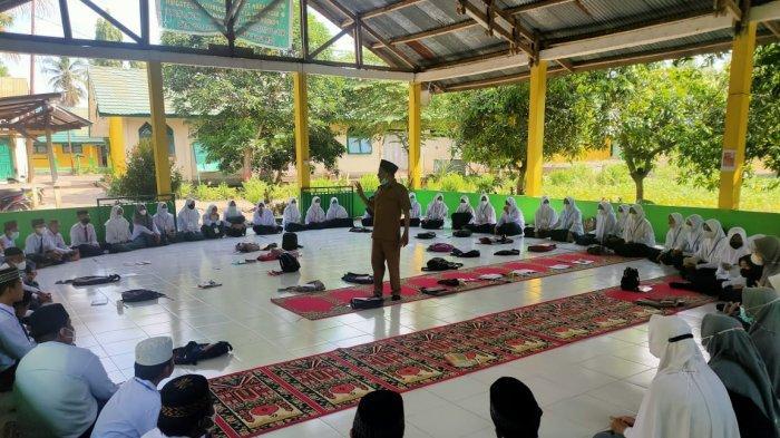 Ponpes Shiratal Mustaqim Lompulle Gelar Ramadan Of English Camp