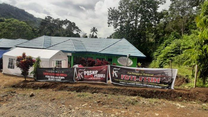 Dua Hari Relawan Ikatek Unhas Suplai Logistik di Kantor Camat Ulumanda dan Desa Kabiraan, Majene