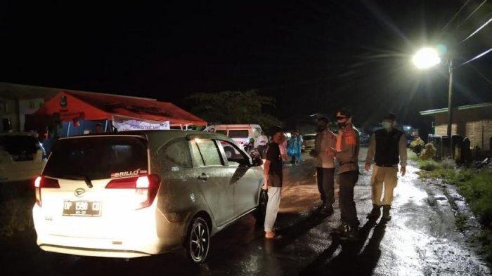Sudah 80 Kendaraan Diminta Putar Balik di Posko Penyekatan Mallaga Enrekang