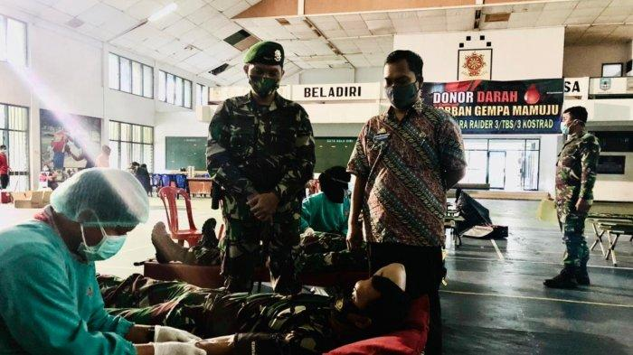 Brigif PR 3 TBS Donor Darah untuk Korban Gempa Sulbar