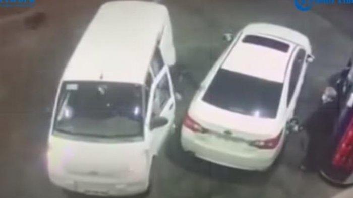 Viral Video Pria Siram Bensin ke Kawanan Perampok saat Hendak Dikepung di SPBU