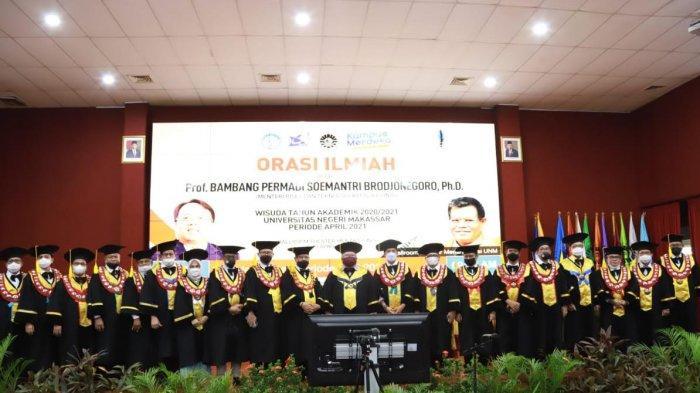 Kepada Wisudawan UNM, Menristek: Budaya Inovasi menjadi Kunci Indonesia Maju
