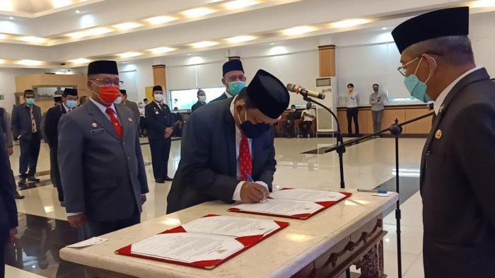 Gubernur Sulbar Lantik 4 Pejabat Tinggi Pratama, 2 Profesor dan Wajah Baru