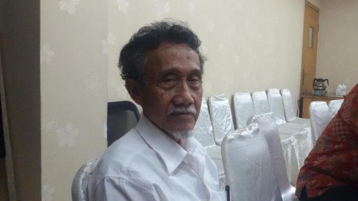 Catatan di Kaki Langit Prof Qasim Mathar: September, Bulan PKI dan Demam PKI