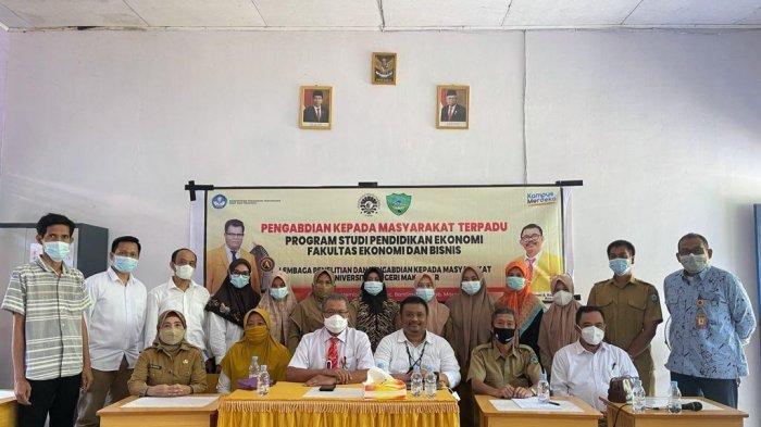 Prodi Pendidikan Ekonomi UNM Latih Literasi Kewirausahaan Bagi Guru SD