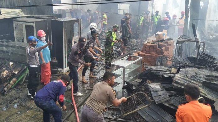 8 Mobil Tangki Dikerahkan untuk Padamkan Api di Maruddani Pangkep